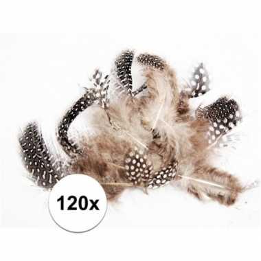 120x zwart en witte decoratie veren