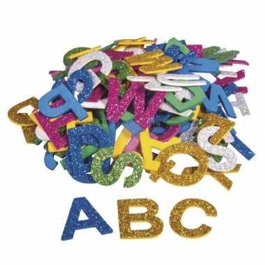 130x zelfklevende hobby/knutsel foam/rubber letters met glitters