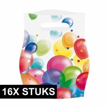 16x feestzakjes met ballonnenopdruk plastic 16x23cm