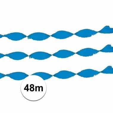 2x licht blauw slinger crepe papier