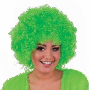 Afropruik in fel groene kleur
