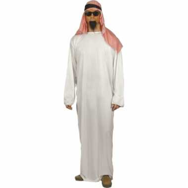 Arabieren pakken voor heren