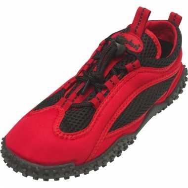 Dichte waterschoenen rood met zwart