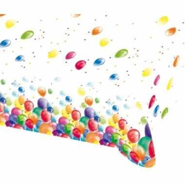 Feest tafelkleed met ballonnen opdruk plastic 135x200cm