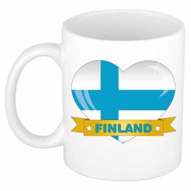 Finse vlag hartje koffiemok 300 ml