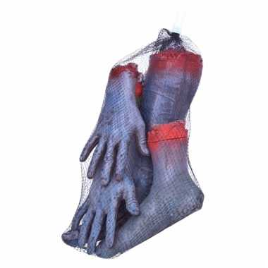 Fop zombie ledematen afgehakt