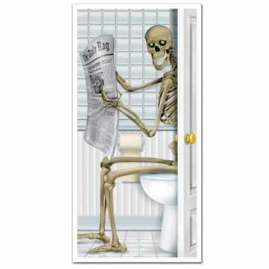 Halloween deurposter skelet op toilet