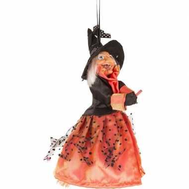 Heks hangdecoratie pop oranje/zwart 25 cm halloween versiering