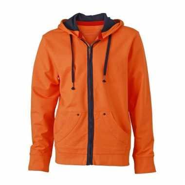 Herenkleding oranje vest