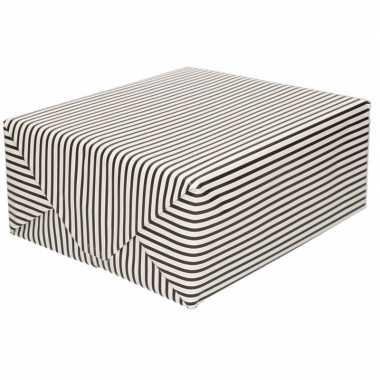 Inpakpapier/cadeaupapier streepjes 200 x 70 cm zwart/wit