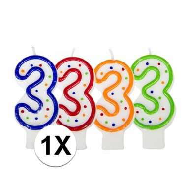 Kaars in de vorm van het getal 3