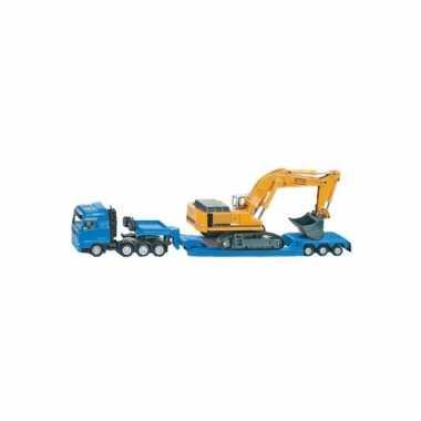 Lange blauwe speelgoed vrachtwagen met graafmachine