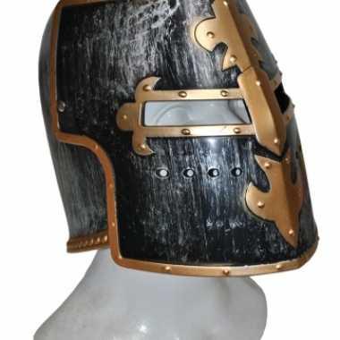 Middeleeuwse helm zwart met goud
