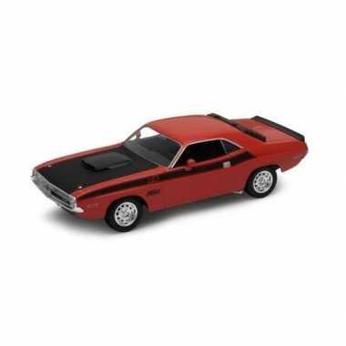 Modelauto dodge challenger 1970 rood 1:34