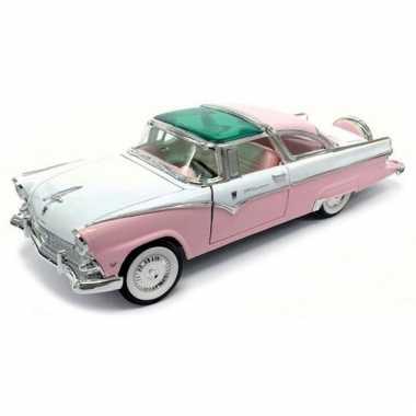 Oldtimer modelauto ford fairlane crown victoria 1955