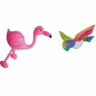 Opblaasbare flamingo en papegaai