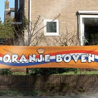 Oranje boven supporters spandoek