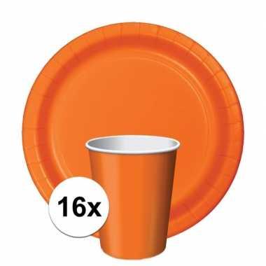Oranje/holland thema tafeldecoratie set 16 bekertjes en 16 bordj