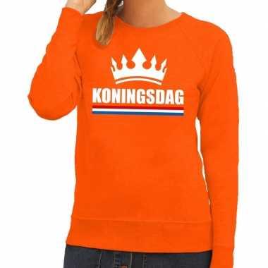 Oranje koningsdag met een kroon sweater dames