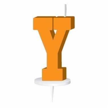 Oranje letter kaars y