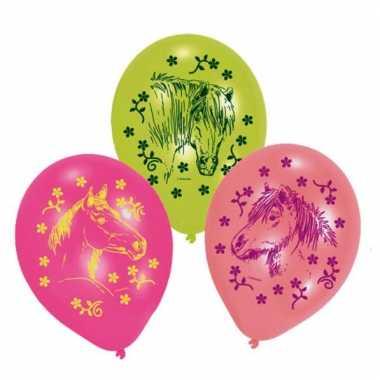 Paard ballonnen
