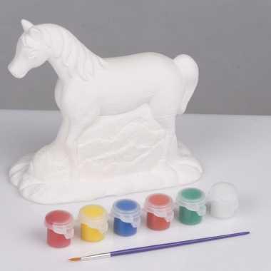 Paard met verf en penseel