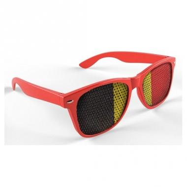 Rode belgie bril met vlag op de glazen