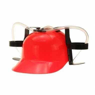 Rode bier helmen