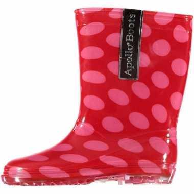 Rode regenlaarsjes met roze stippen voor kinderen