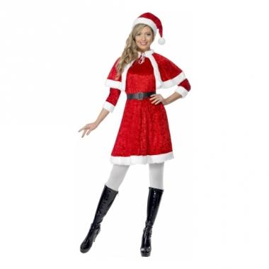 Rood kerstjurkje met cape