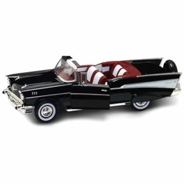 Speelgoed auto chevrolet bel air 1:18