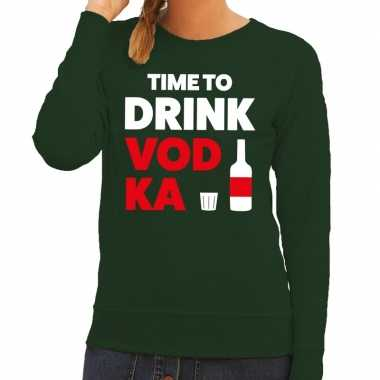 Time to drink vodka tekst sweater groen voor dames