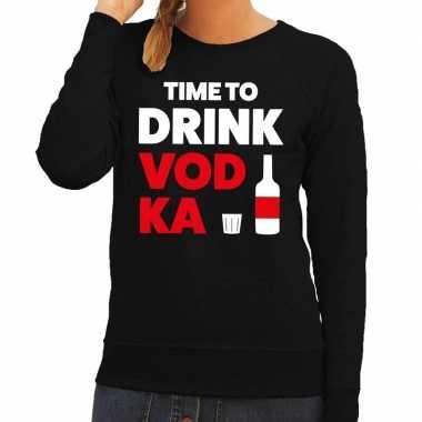 Time to drink vodka tekst sweater zwart voor dames