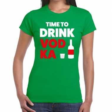 Time to drink vodka tekst t-shirt groen dames