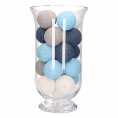 Vensterbank decoratie blauw/grijs/witte lichtslinger in vaas