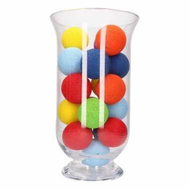Vensterbank decoratie gekleurde lichtslinger in vaas