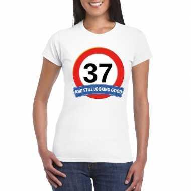 Verkeersbord 37 jaar t-shirt wit dames