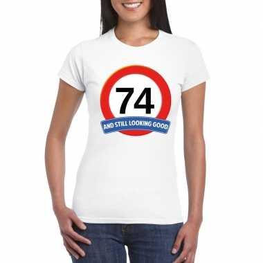 Verkeersbord 74 jaar t-shirt wit dames