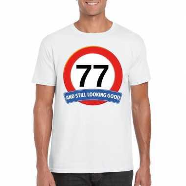 Verkeersbord 77 jaar t-shirt wit heren
