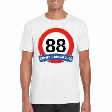 Verkeersbord 88 jaar t-shirt wit heren