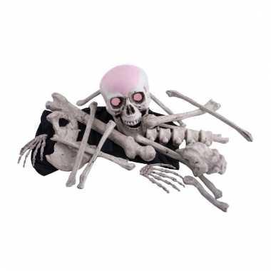 Zak met decoratie lichaams botten