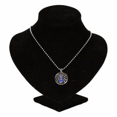 Zilveren ketting met blauwe spin drukknoop