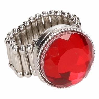 Zilveren ring met rode robijn drukknoop