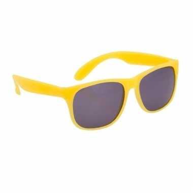 Zonnebrillen in het geel