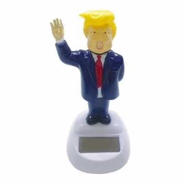 Zwaaiende donald trump solar figuur