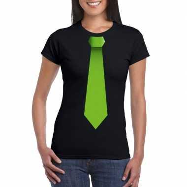 Zwart t-shirt met groene stropdas dames