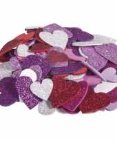 100x zelfklevende hobby knutsel foam rubber hartjes met glitters