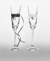 2 champagneglazen met lintjes
