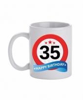35 jaar cadeau beker 300 ml verkeersbord thema