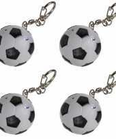 4x voetbal sleutelhangers met licht en geluid 3 5 cm